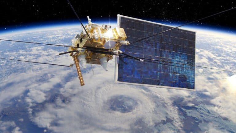 Artificial intelligence for detailed satellite data analysis
